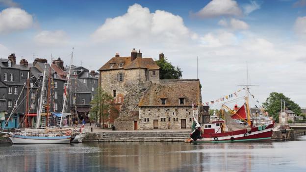 Ein kleines Dorf in der Normandie