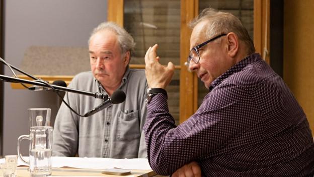 M. Seifert (Seidel) und H. Eichhorn (Gombrowski) im Hörspielstudio.