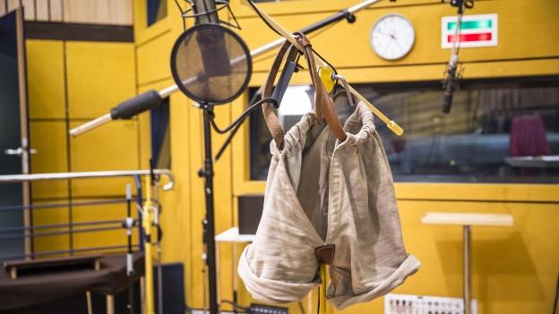 «Schwingerhose im Hörspielstudio»