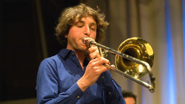 Johannes Lauer spielt Trompete.