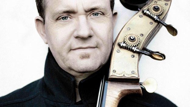 Bassist Dieter Ilg nahm die Jazz-CD «Parsifal - mit Richard unterwegs» (Edel, 2013) auf.