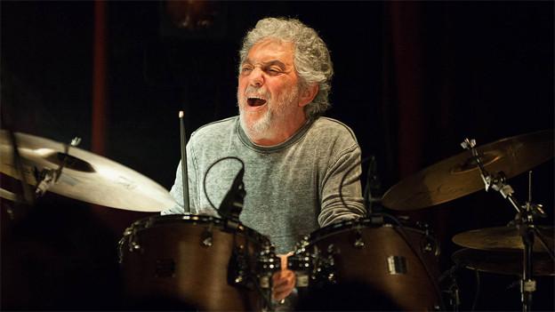 Steve Gadd am Schlagzeug