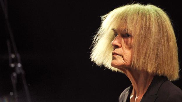 Porträt der Jazzmusikerin Carla Bley.