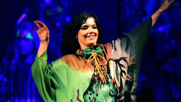 Sängerin Björk während eines Konzerts