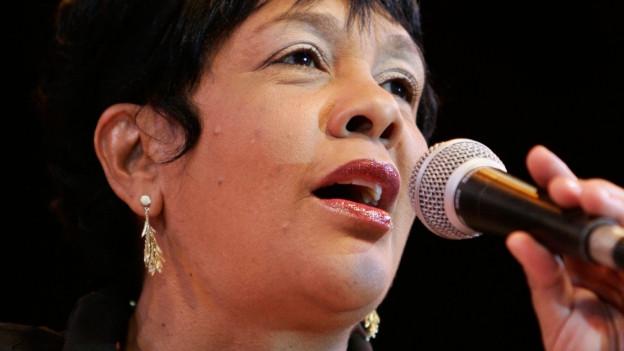 Porträt der Musikerin Rosa Passos