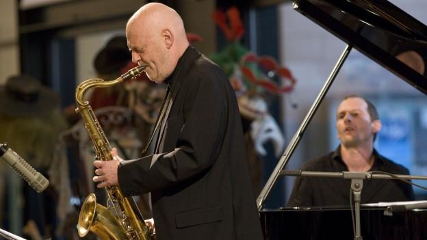 Der Tenor Saxofonist Andy Scherrer und der Pianist Oliver Tabeling.