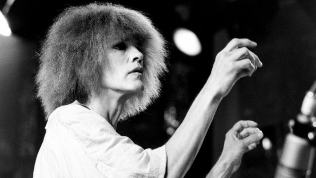 Die US-amerikanische Jazzmusikerin Carla Bley trat 1984 am Montreux Jazz Festival auf.