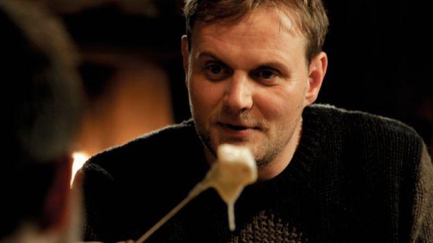 Fondue fördert Harmonie: Devid Striesow in «Nichts passiert» von Micha Lewinsky