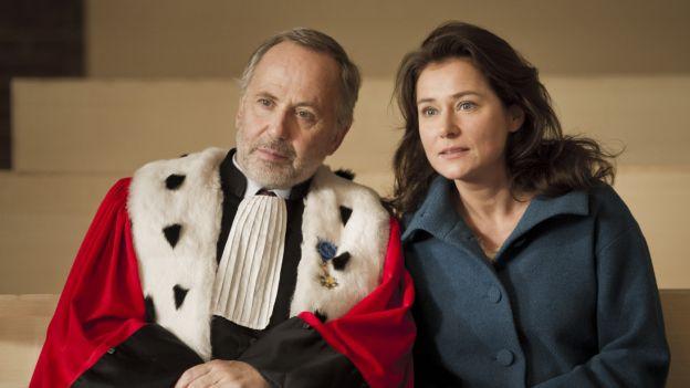 Fabrice Luchini und Sidse Babett Knudsen in «L'hermine»