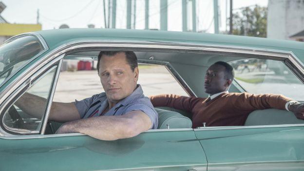 Zwei Männer in einem Auto