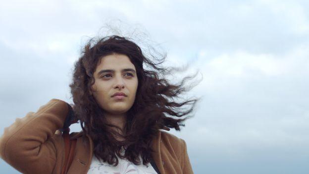 Manal Issa in «Mon tissu préféré»