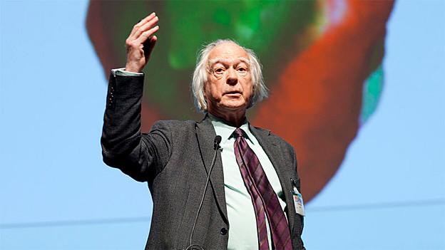 Denis Noble präsentierte 1960 das erste mathematische Modell eines schlagenden Herzens.