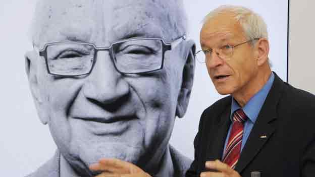 Ralph Eichler, Präsident der ETH Zürich 2012 an einer Pressekonferenz anlässlich der Schenkung des verstorbenen Schweizer Unternehmers Branco Weiss.