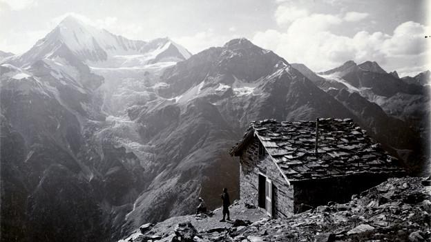 Domhütte mit Weisshorn, ca. 1890/1900.