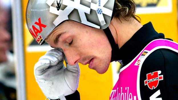 Skispringer Sven Hannawald hatte 2003 seine Skisprung-Karriere für beendet erklärt: Nach erfolgreicher Behandlung eines Burnout-Syndroms wollte er sich nicht mehr den Belastungen des Profi-Sports aussetzen.