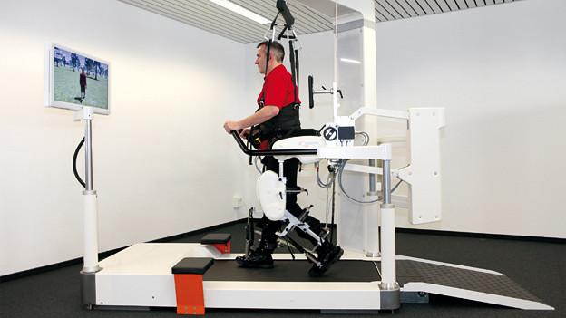 Maschinenunterstützte Therapie ermöglicht neue Erfolge in der Neurorehabilitation.