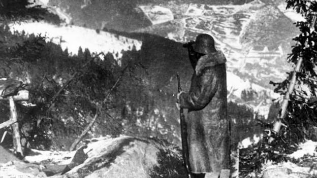 Man sieht einen Soldaten auf dem Hartmannsweilerkopf.