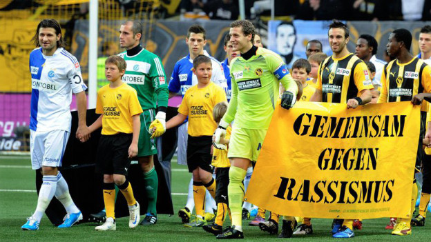 Gemeinsam gegen Rassismus – auch Fussball kann politisch sein.