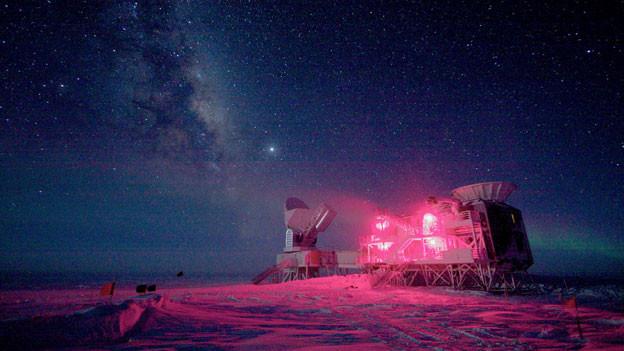 Teleskope in der Nacht