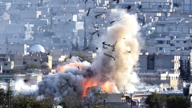Eine Explosion in Kobane.