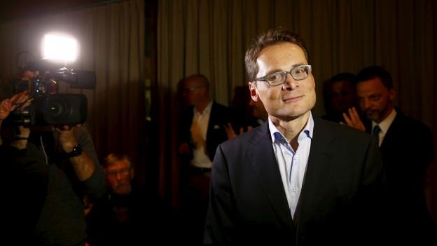 Weltwoche-Chefredakteur Roger Köppel nach der Wahl an einem Fest in Illnau.