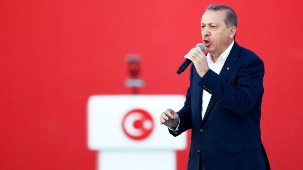 Erdogan während einer Wahlkampfveranstaltung