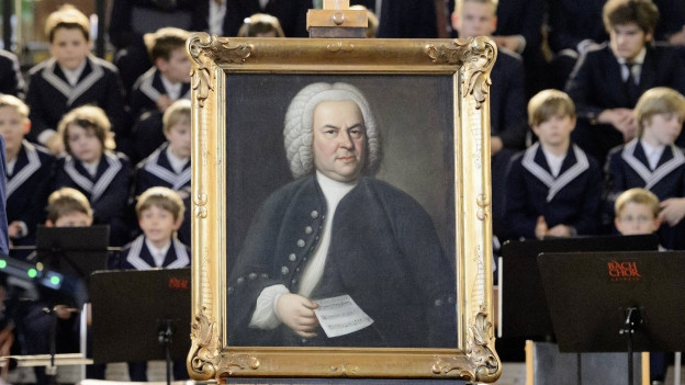 Ein Porträt von Johann Sebastian Bach vor dem Bach-Chor