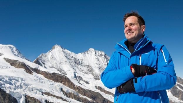 Daniel Albrecht vor Schneebergen