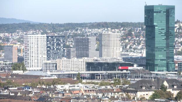 Die Stadt Zürich. Man sieht den Prime Tower.