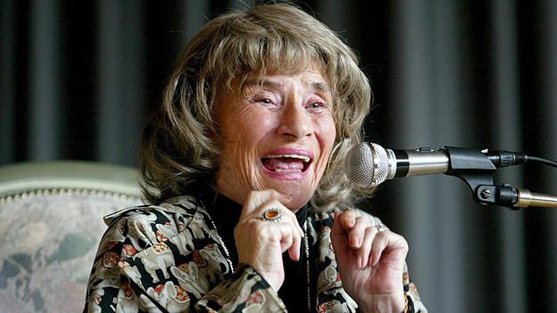 Die legendäre Märchenerzählerin Trudi Gerster im August 2002.