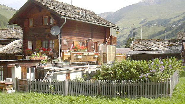 Immer mehr Schweizerinnen und Schweizer träumen vom Leben auf dem Land.