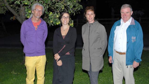 Die Autoren Lothar Berchtold, Muriel Constantin Pitteloud und Arnold Steiner mit Regisseurin Barbara Terpoorten-Maurer.