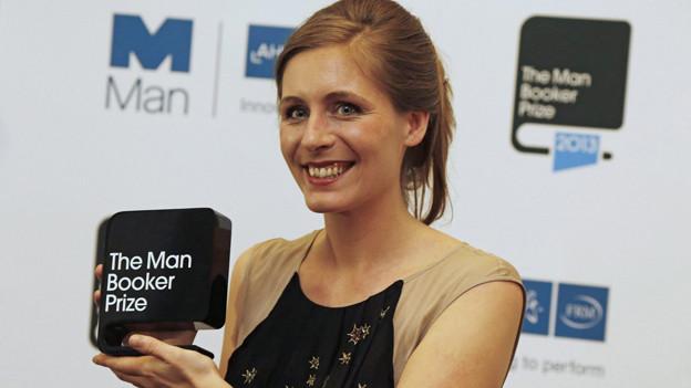 Eleanor Catton bei der Verleihung des Man Booker Prize