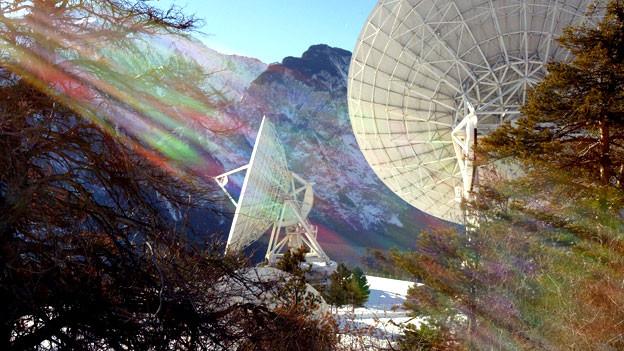 Satelittenschlüsseln in Leuk: Auch die Schweiz hört mit.