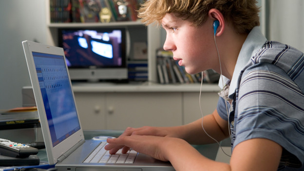 Jugendliche verbringen viel Zeit am Computer. Doch: was machen sie genau?