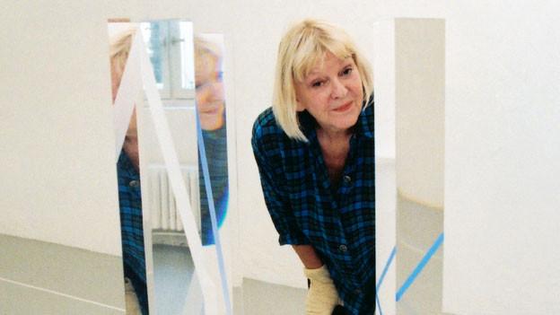 In ihrer Kunst entwickelte sie jedoch eine ganz eigene Formsprache, die bei aller Abstraktheit auch sinnlich war: Nelly Rudin.