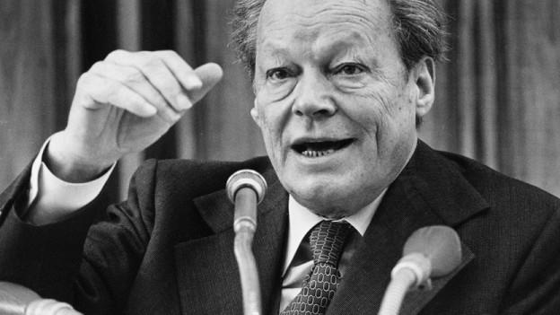 Willy Brandt am 29. November 1977 in Bonn.