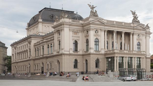 Das Opernhaus in Zürich.