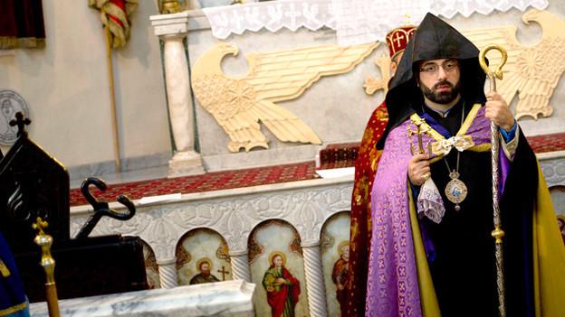 Bischof in der Kirche.