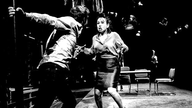 Anna Grisebach als Bettina und Simon Brusis als Victor.