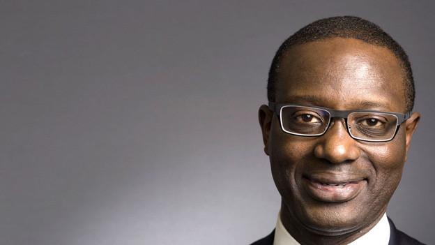 Der neue Chef der Credit Suisse, Tidjane Thiam nach der Pressekonferenz zu seiner Ernennung, 10. März 2015.