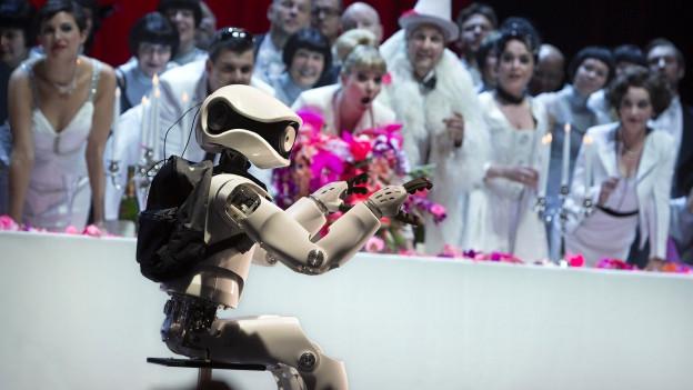 Der Roboter Myon an der Komischen Oper Berlin