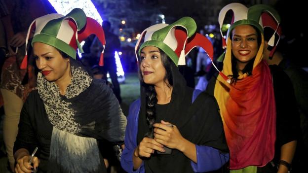 Frauen in Teheran feiern den Durchbruch im Atomstreit, 14. Juli 2015.