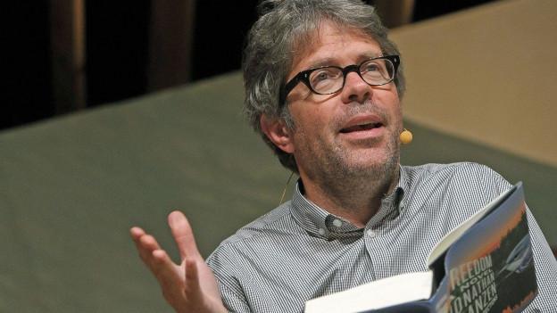 Der Autor Jonathan Franzen liest aus seinem Buch
