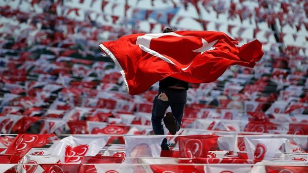 Türkische Fahnen.