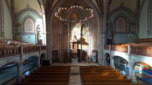 Blick in eine Kirche.