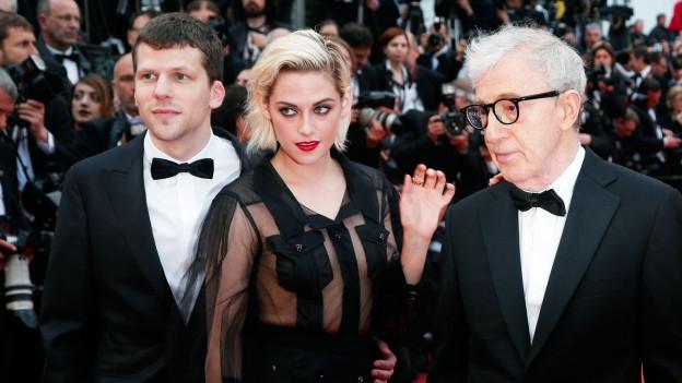 Woody Allen (r.) und zwei seiner Stars.