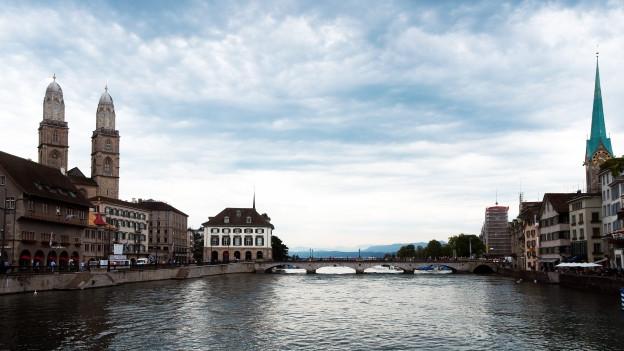 Stadt am Fluss.