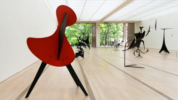 Bild aus einem Ausstellungsraum in der Fondation Beyeler.