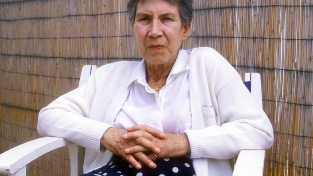 Porträt der Schriftstellerin Natalia Ginzburg